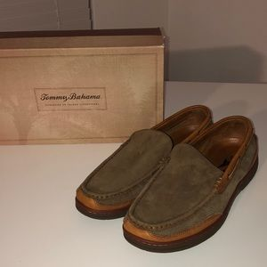 Tommy Bahama boat shoes size 10 1/2